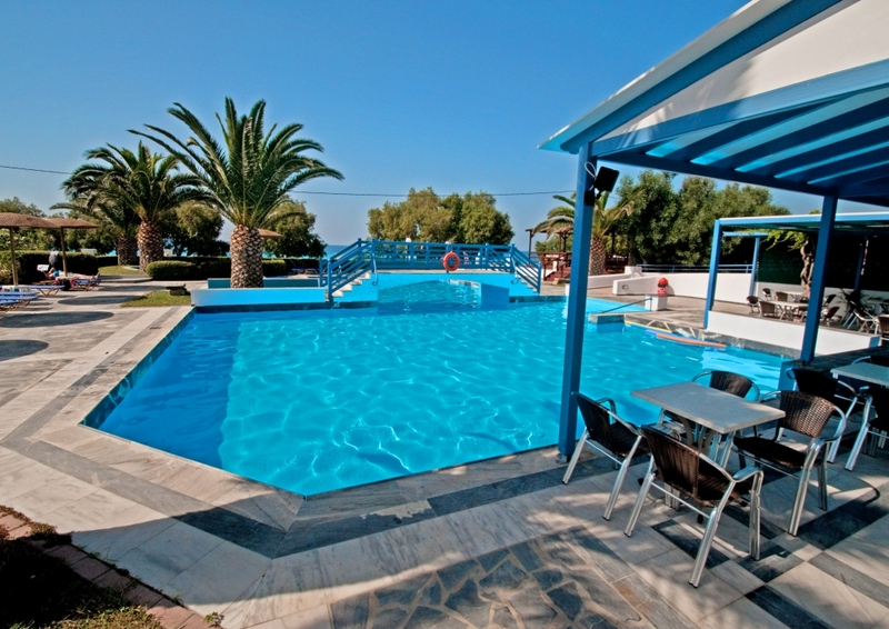 Pool Zefiros Beach