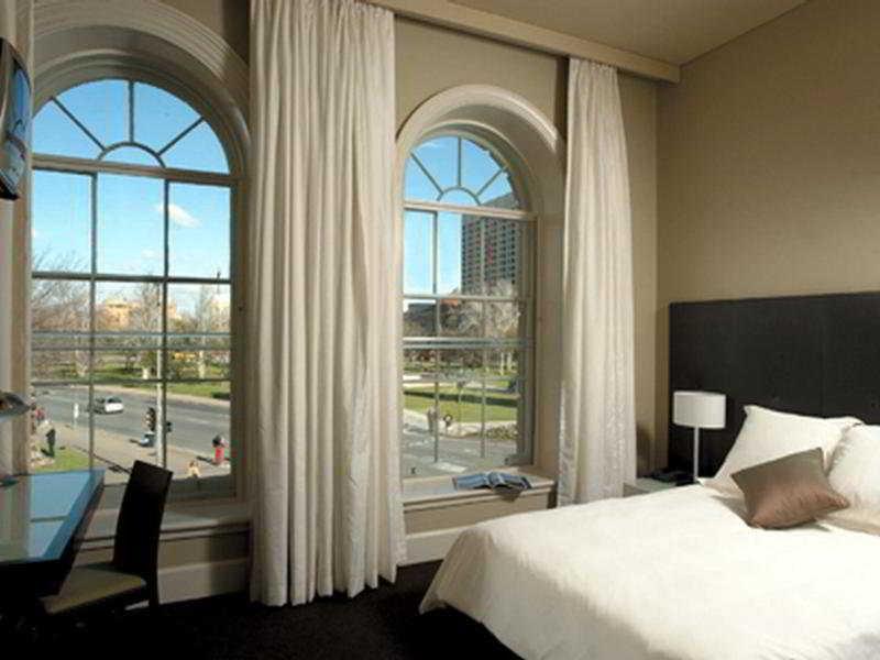 Room Adina Apartment Hotel Adelaide Treasury