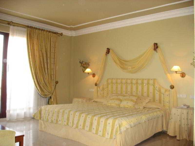 Room Cristina Enea
