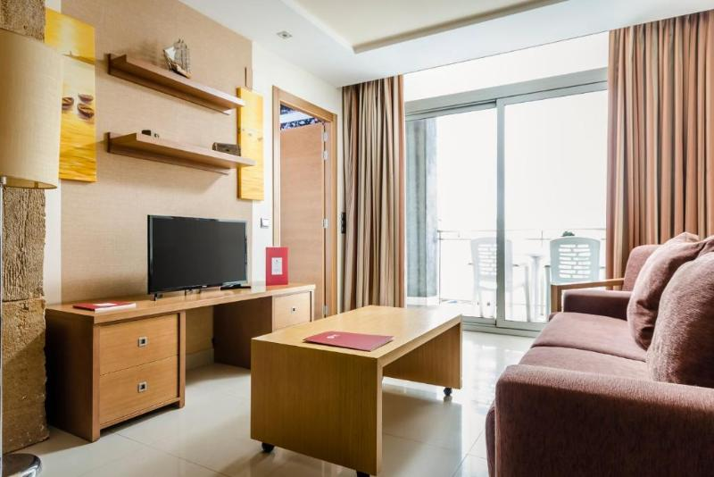 Room Exe Cunit Suites & Spa