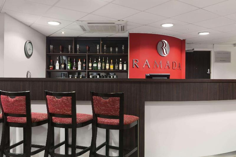 Bar Ramada London Stansted Airport