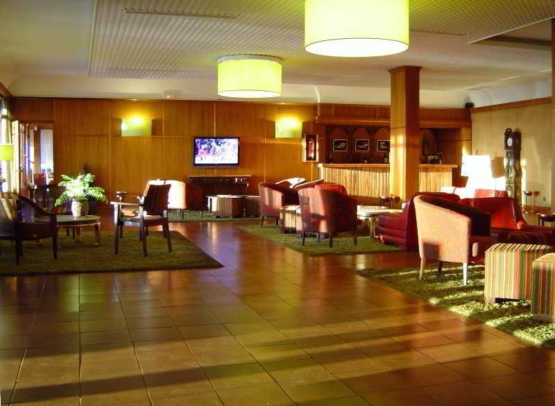 Lobby El Cruce