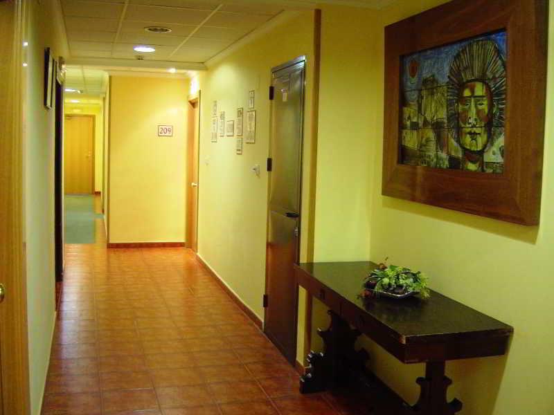 Room El Cruce