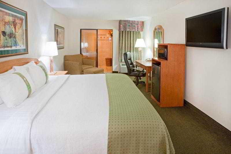 Room Holiday Inn Brownsville