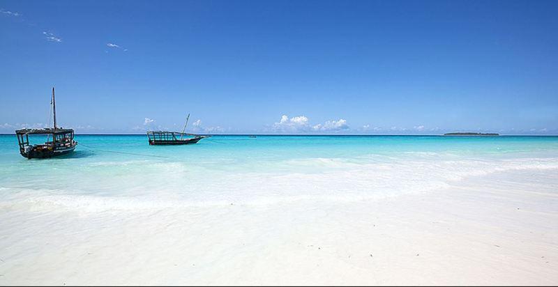 General view Bluebay Beach Resort