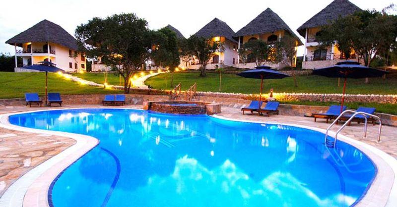 Pool Bluebay Beach Resort