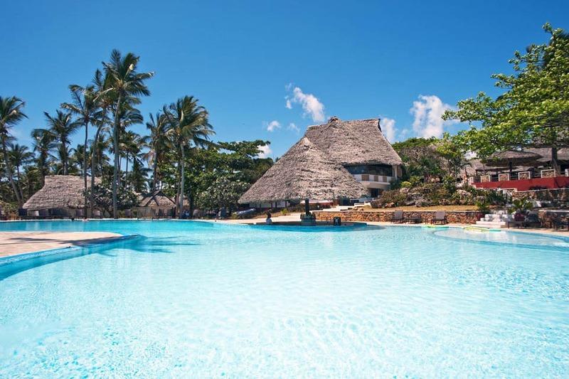 Pool Karafuu Hotel Beach Resort