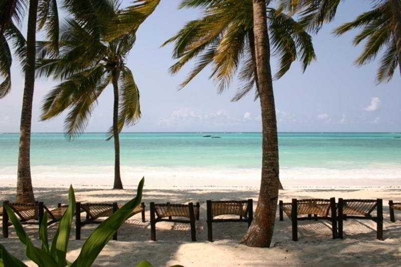 Beach Karafuu Hotel Beach Resort