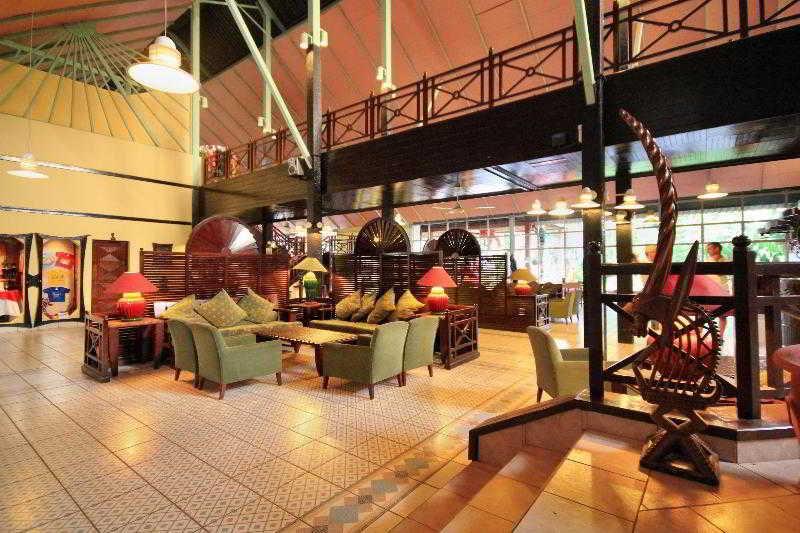 Lobby Senegambia Beach Hotel
