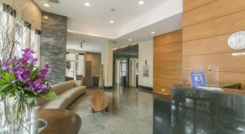 Lobby Plaza Barra First