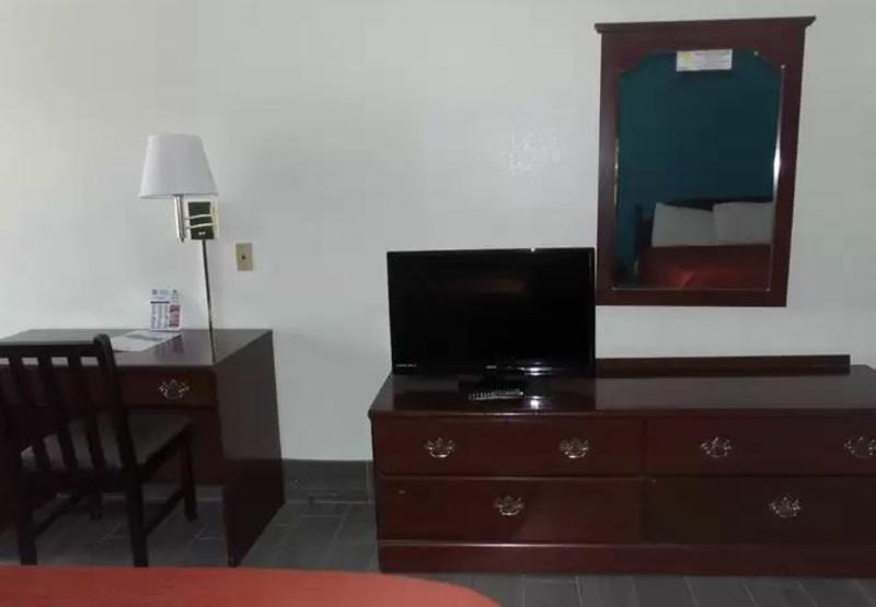Super 8 Mcallen - Room - 8