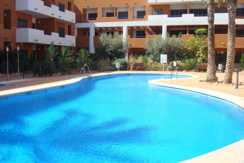 Pool Parque Tropical Aparthotel