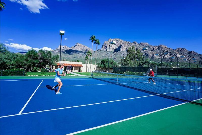 Sports and Entertainment Hilton Tucson El Conquistador Golf & Tennis Resort