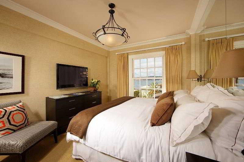 Room La Valencia