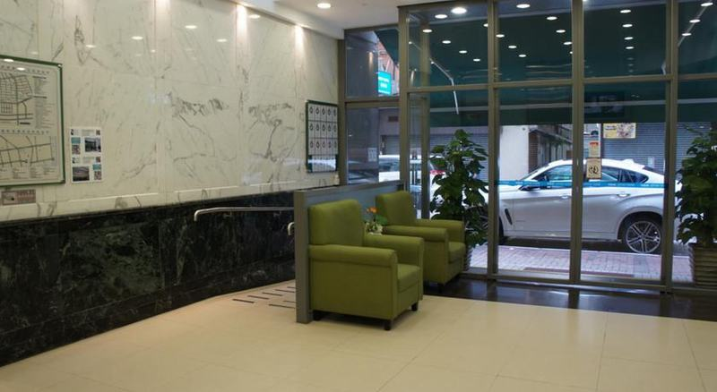 Lobby West Hotel