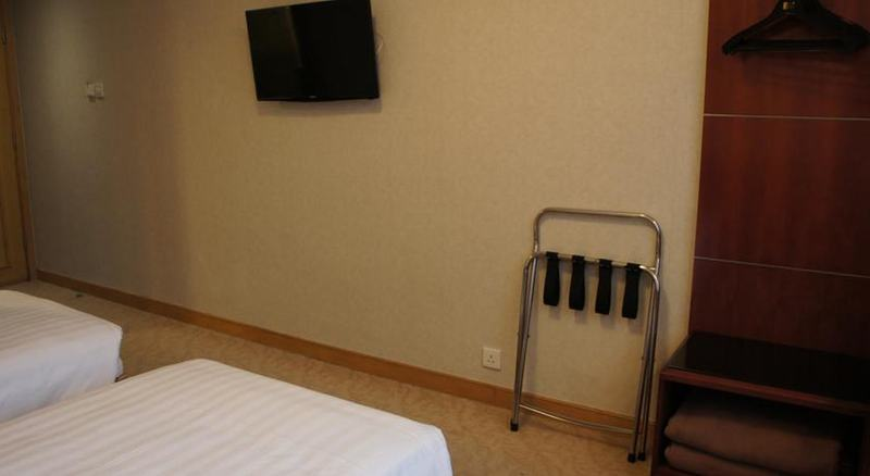 Room West Hotel
