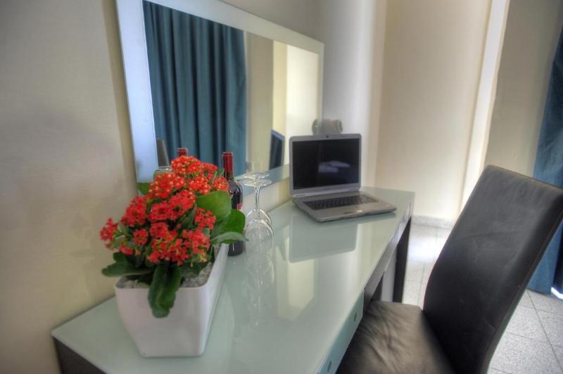 Room St.julian\'s Bay Hotel