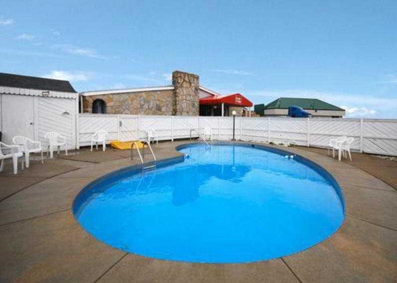Pool Econo Lodge Brice Road