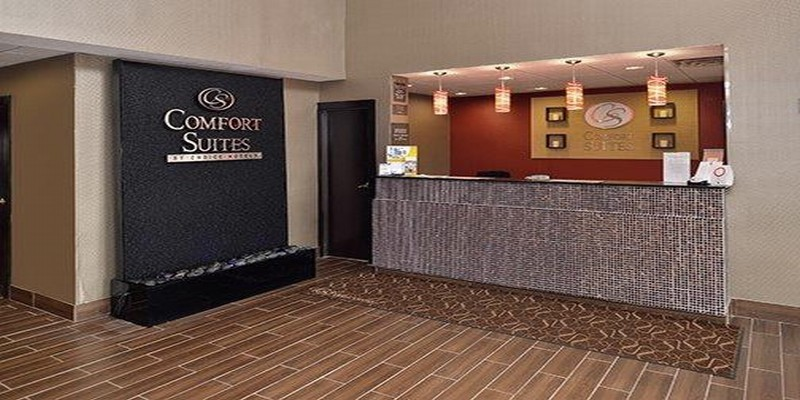 Lobby Comfort Suites East