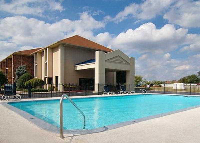 Pool Quality Inn Opryland Area
