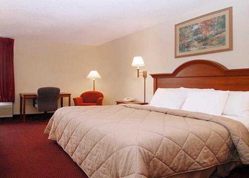 Room Quality Inn Opryland Area