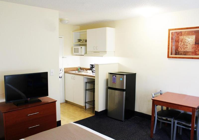 Suburban Extended Stay Hotel North West - Hotel - 1