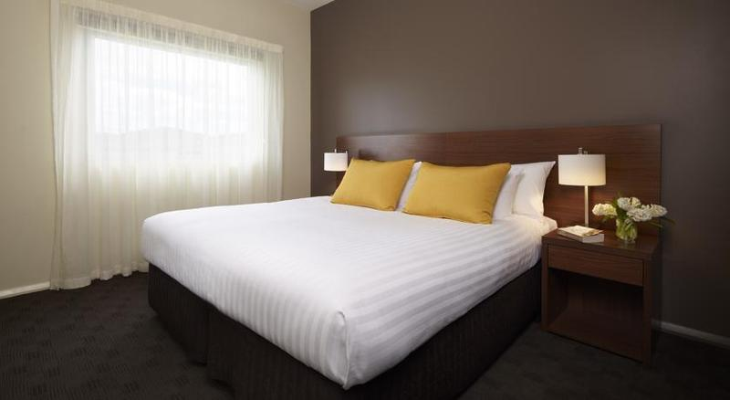 travelodge hotel hobart airport australia from 69. Black Bedroom Furniture Sets. Home Design Ideas