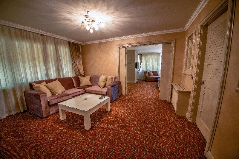 Dream Hill Business Deluxe - Room - 8