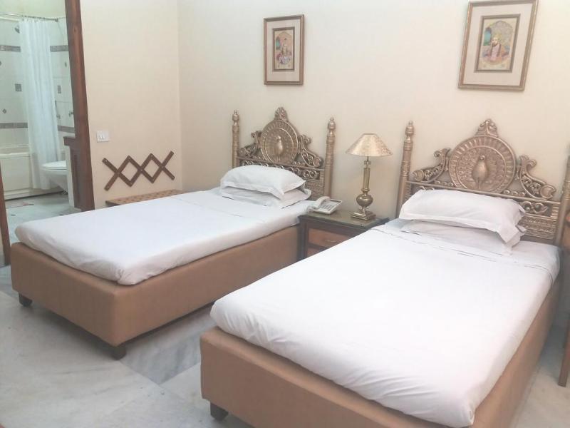 Bajaj Indian Homestay - Hotel - 1