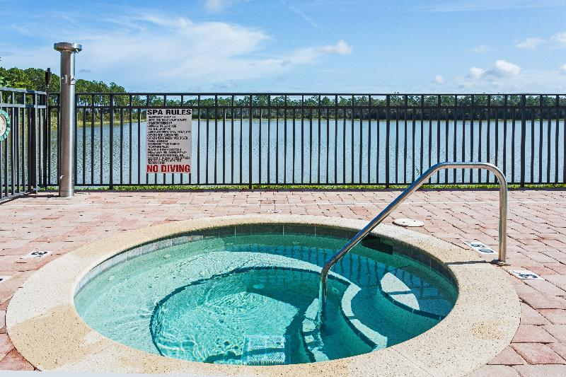 Pool Holiday Inn Fort Myers Airport @ Town Center