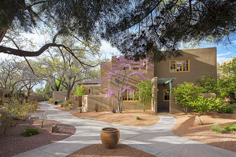 Terrace La Posada De Santa Fe Resort & Spa