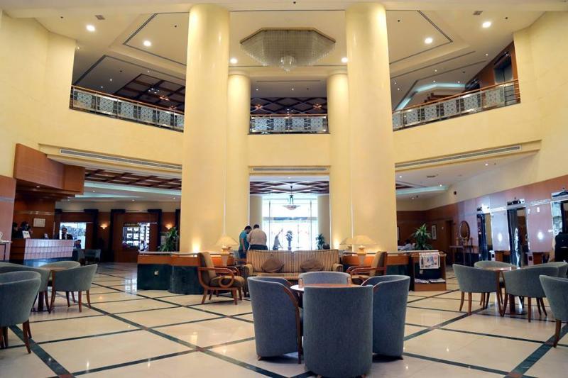 Lobby Swiss Belhotel Sharjah