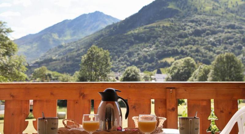 Terrace Val De Roland