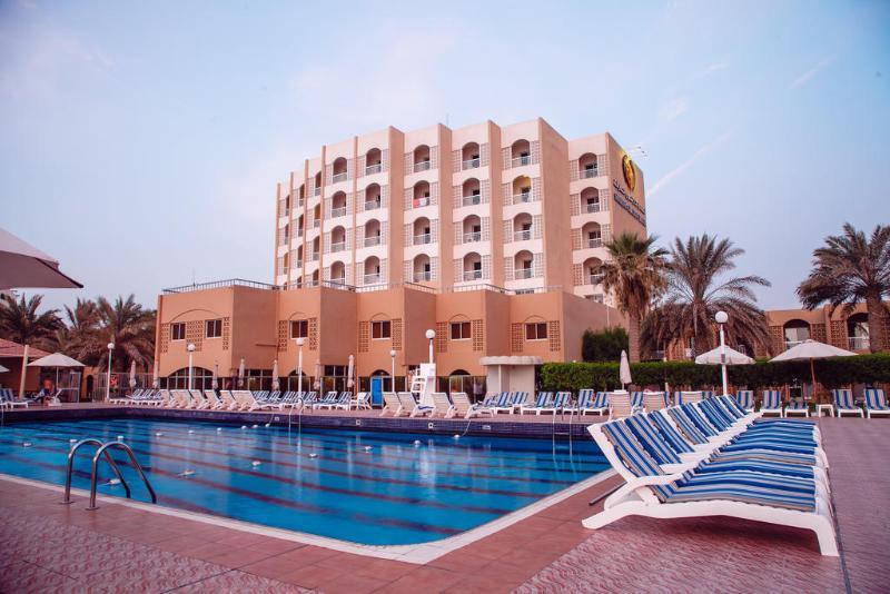 Sharjah Carlton Hotel - Pool - 2