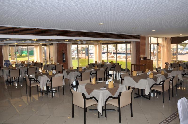 Sharjah Carlton Hotel - Restaurant - 4