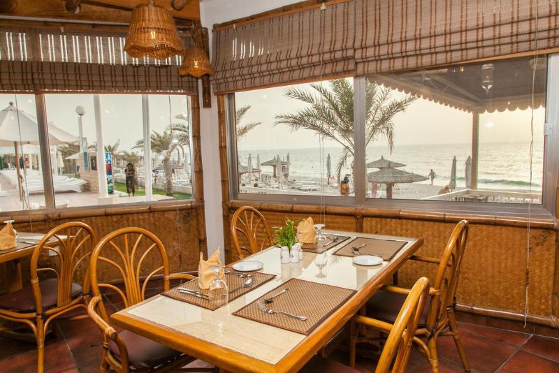 Sharjah Carlton Hotel - Restaurant - 14