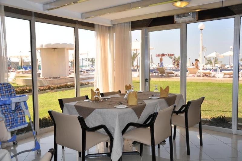 Sharjah Carlton Hotel - Restaurant - 13