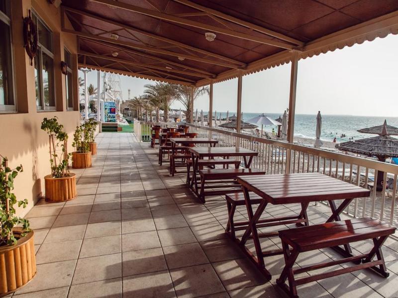 Sharjah Carlton Hotel - Terrace - 16