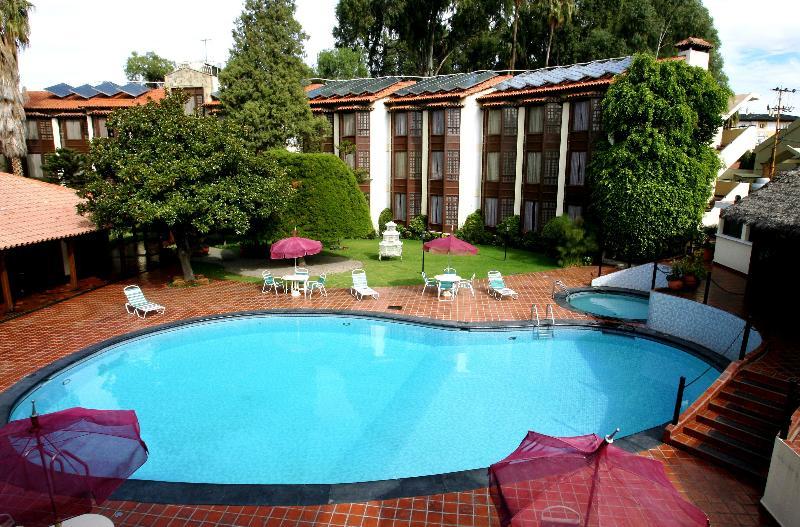 Pool Portales