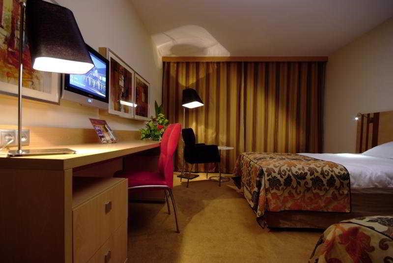 Room Hp Park Poznan
