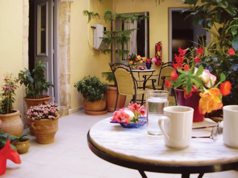 Holiday Inn Munich - City Centre - Terrace - 8