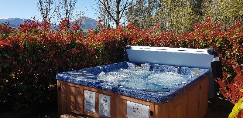 Pool Maple Lodge