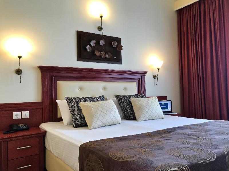 Room Village Mare