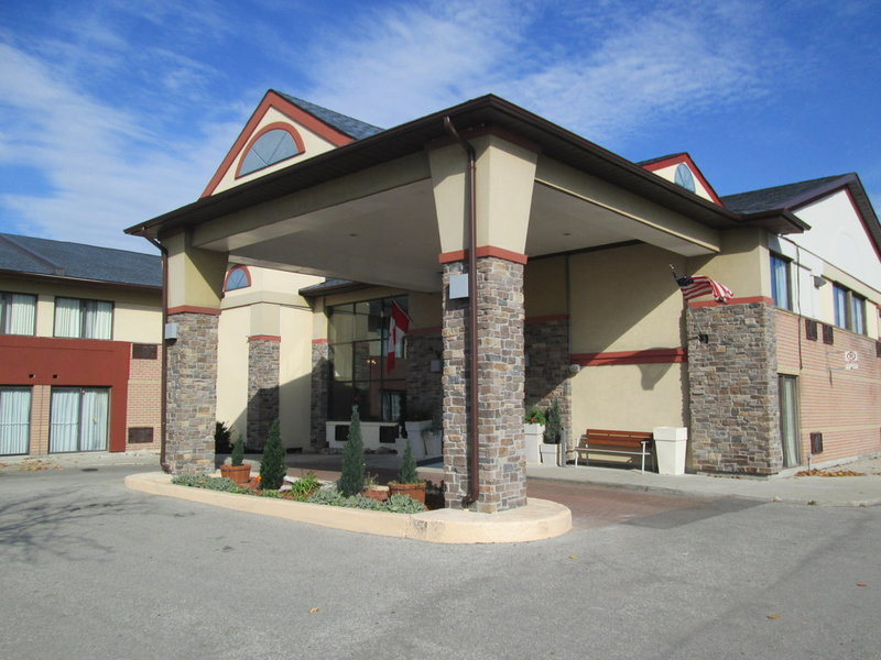 Cheap Hotels Near Square One Mississauga