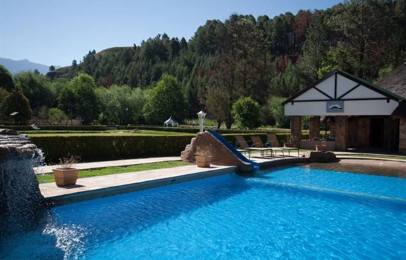 Pool Gooderson Drakensberg Gardens Golf & Spa Resort