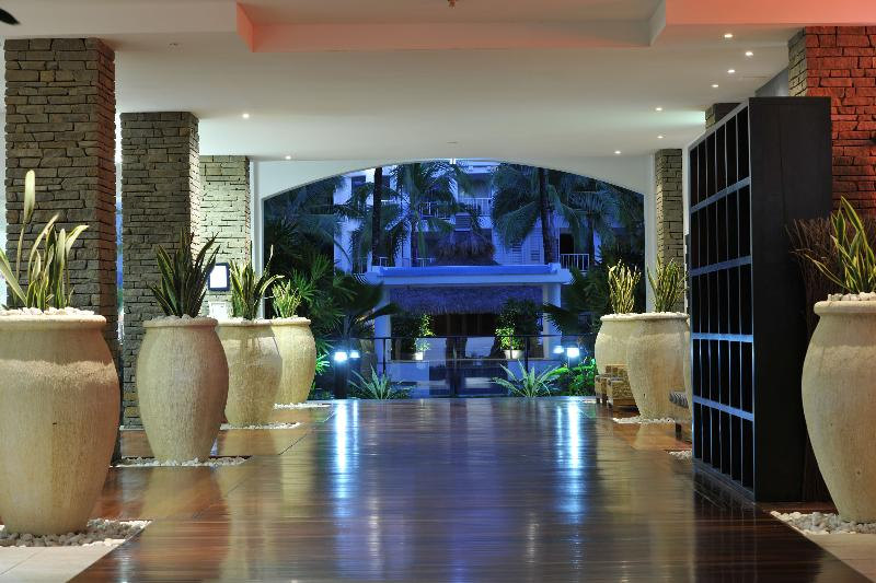 Lobby Peppers Beach Club & Spa Palm Cove