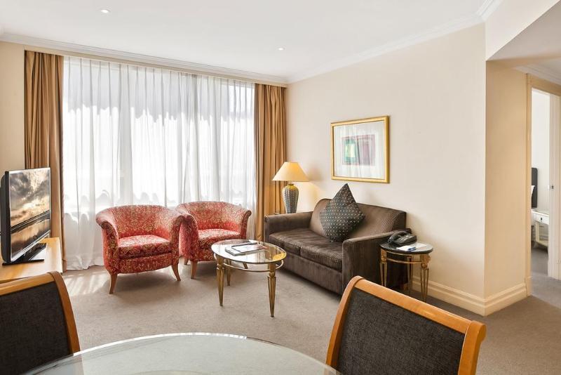 Room Mantra 2 Bond Street