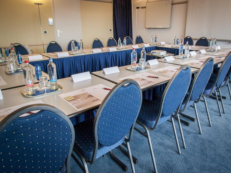 Conferences First Euroflat Hotel