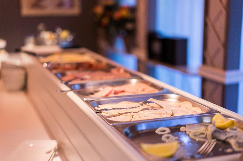 Restaurant First Euroflat Hotel
