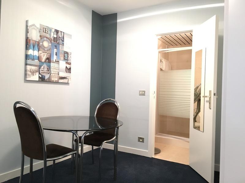 Room First Euroflat Hotel